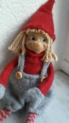 weird-elf-1