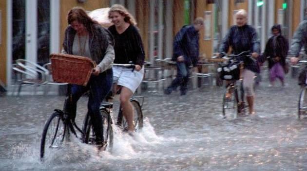 cycling-rain-copenhagen